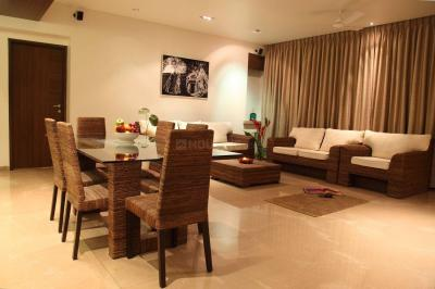 Gallery Cover Image of 2400 Sq.ft 4 BHK Apartment for rent in Juhu for 300000