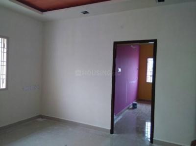 Gallery Cover Image of 820 Sq.ft 2 BHK Apartment for buy in Kolathur for 4200000