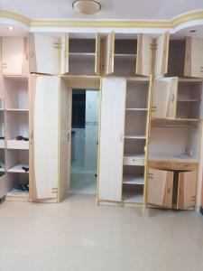 Gallery Cover Image of 350 Sq.ft 1 RK Apartment for rent in Prabhadevi for 28000