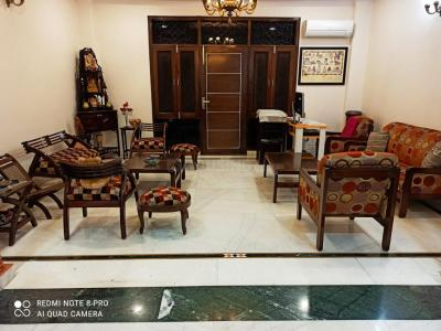 Gallery Cover Image of 2250 Sq.ft 3 BHK Independent Floor for rent in Tagore Garden Extension for 65000