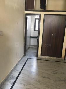 Gallery Cover Image of 800 Sq.ft 1 RK Independent Floor for rent in Sector 16 for 5500