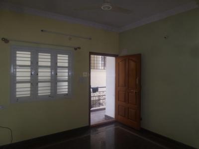 Gallery Cover Image of 700 Sq.ft 2 BHK Apartment for rent in Kaveri Nagar for 9000