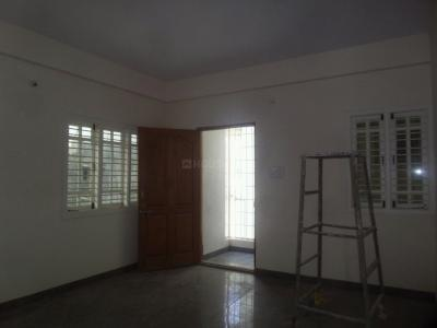 Gallery Cover Image of 1050 Sq.ft 2 BHK Apartment for rent in Bommanahalli for 18000
