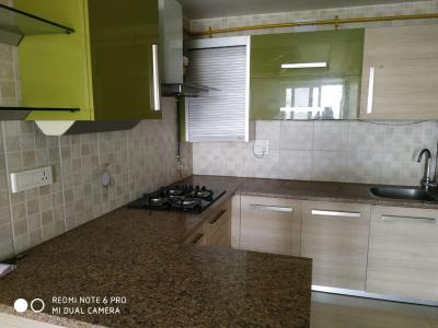 Gallery Cover Image of 1050 Sq.ft 2 BHK Apartment for rent in Trilokpuri for 28000