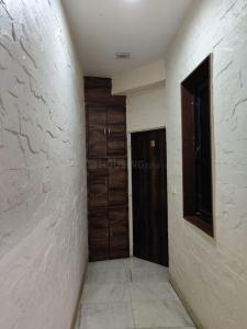 Gallery Cover Image of 600 Sq.ft 1 BHK Apartment for rent in Marine Lines for 75000