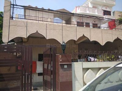 Gallery Cover Image of 2200 Sq.ft 5 BHK Independent House for buy in Model Town for 8000000