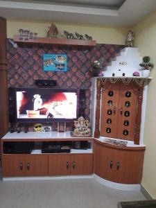 Gallery Cover Image of 865 Sq.ft 2 BHK Apartment for rent in South Dum Dum for 25000