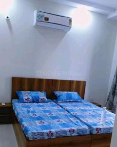 Bedroom Image of Roomzrent Indirapuram in Ahinsa Khand