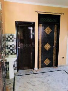 Gallery Cover Image of 600 Sq.ft 2 BHK Apartment for rent in Dwarka Mor for 7500