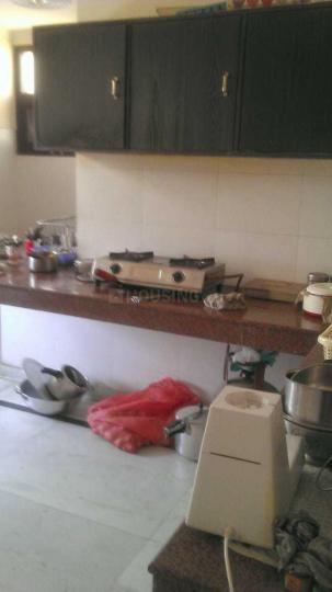 राजेश अग्रवाल पीजी इन सेक्टर 43 के किचन की तस्वीर