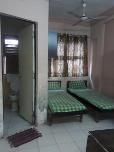 Bedroom Image of Tulja PG Room in Gurukul