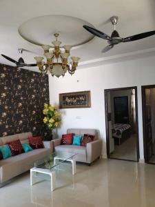 Gallery Cover Image of 1300 Sq.ft 3 BHK Apartment for buy in Kharar for 2290000