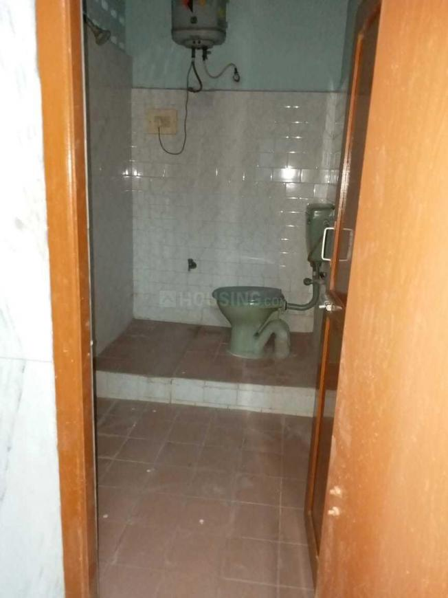 Bathroom Image of 1000 Sq.ft 2 BHK Independent House for buy in Kolathur for 4800000