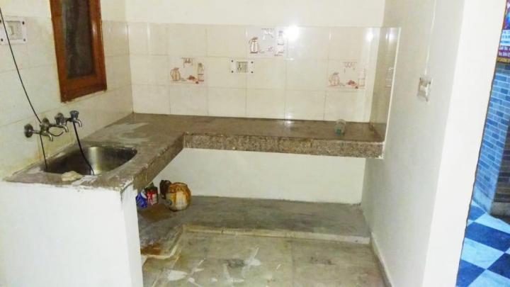 Kitchen Image of 450 Sq.ft 1 BHK Independent Floor for rent in Patparganj for 9000