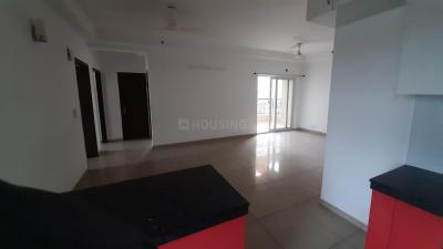 Gallery Cover Image of 1800 Sq.ft 3 BHK Apartment for rent in Gulshan Ikebana, Sector 143 for 20000