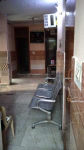 लक्ष्मी नगर में साई छाया गर्ल्स पीजी के लॉबी की तस्वीर