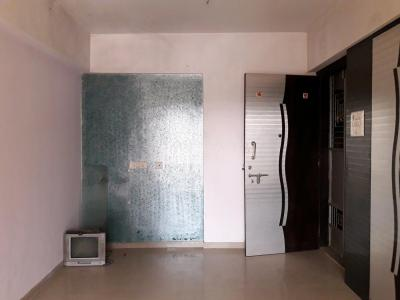 Gallery Cover Image of 940 Sq.ft 2 BHK Apartment for rent in Kalyan West for 10000