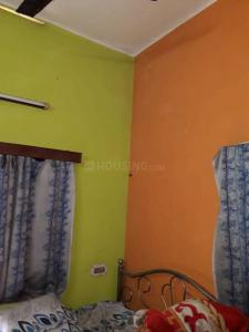 Gallery Cover Image of 600 Sq.ft 1 BHK Independent House for rent in Thakurpukur for 6000