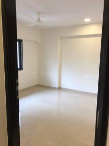 Gallery Cover Image of 1050 Sq.ft 2 BHK Apartment for rent in Khar West for 100000