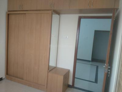Gallery Cover Image of 800 Sq.ft 2 BHK Apartment for rent in Medavakkam for 15000