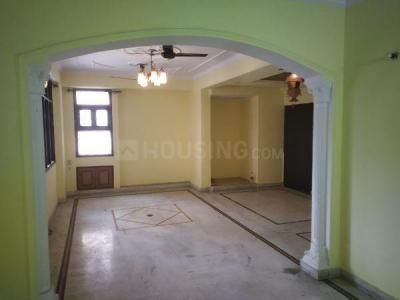 Gallery Cover Image of 1800 Sq.ft 3 BHK Apartment for rent in Garden Estate, Sector 22 Dwarka for 35000