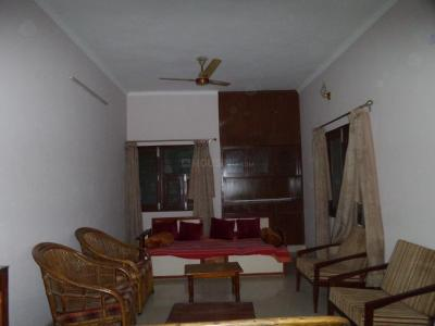Gallery Cover Image of 1400 Sq.ft 3 BHK Independent Floor for buy in Okhla Industrial Area for 23500000