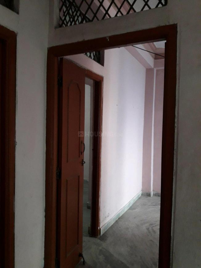 Main Entrance Image of 600 Sq.ft 1 BHK Apartment for rent in Moti Nagar for 6500