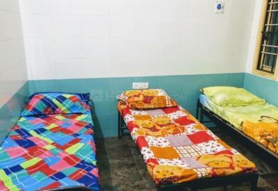 Bedroom Image of Moksha Ladies PG in Semmancheri