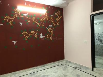Gallery Cover Image of 650 Sq.ft 2 BHK Independent Floor for buy in Govindpuri for 2835000