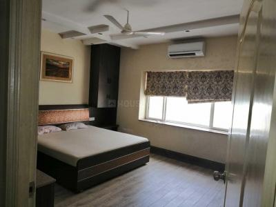 Gallery Cover Image of 3000 Sq.ft 3 BHK Apartment for rent in Banjara Hills for 90000