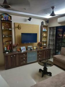 Gallery Cover Image of 1100 Sq.ft 3 BHK Apartment for buy in Romell Empress, Borivali West for 22500000