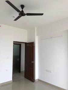 Gallery Cover Image of 1950 Sq.ft 3 BHK Apartment for rent in Unitech Heights, Knowledge Park 2 for 13000