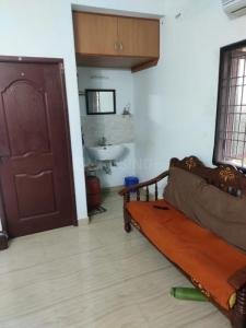 Gallery Cover Image of 1200 Sq.ft 2 BHK Apartment for buy in Kattankulathur for 3800000