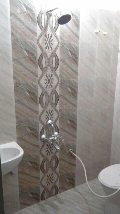 Bathroom Image of 860 Sq.ft 2 BHK Apartment for buy in Kundrathur for 3010000