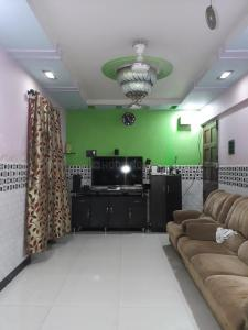 Gallery Cover Image of 570 Sq.ft 2 BHK Apartment for buy in Thane West for 6800000
