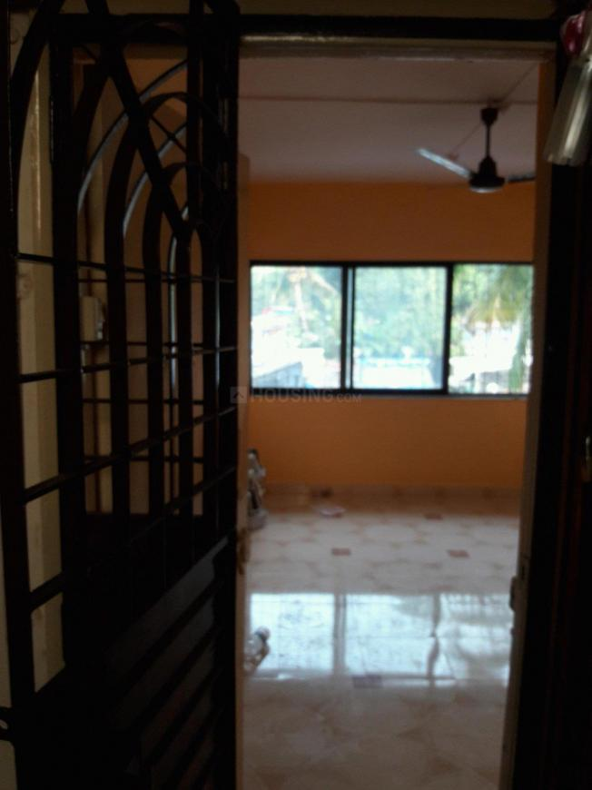 Main Entrance Image of 560 Sq.ft 1 BHK Apartment for rent in Dahisar East for 15000