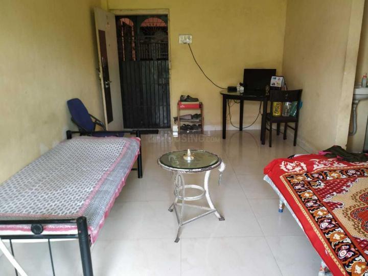 प्रभादेवी में माम पीजी में लिविंग रूम की तस्वीर