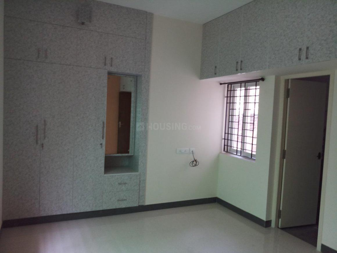 Bedroom Image of 650 Sq.ft 1 BHK Apartment for rent in Iyyappanthangal for 16000
