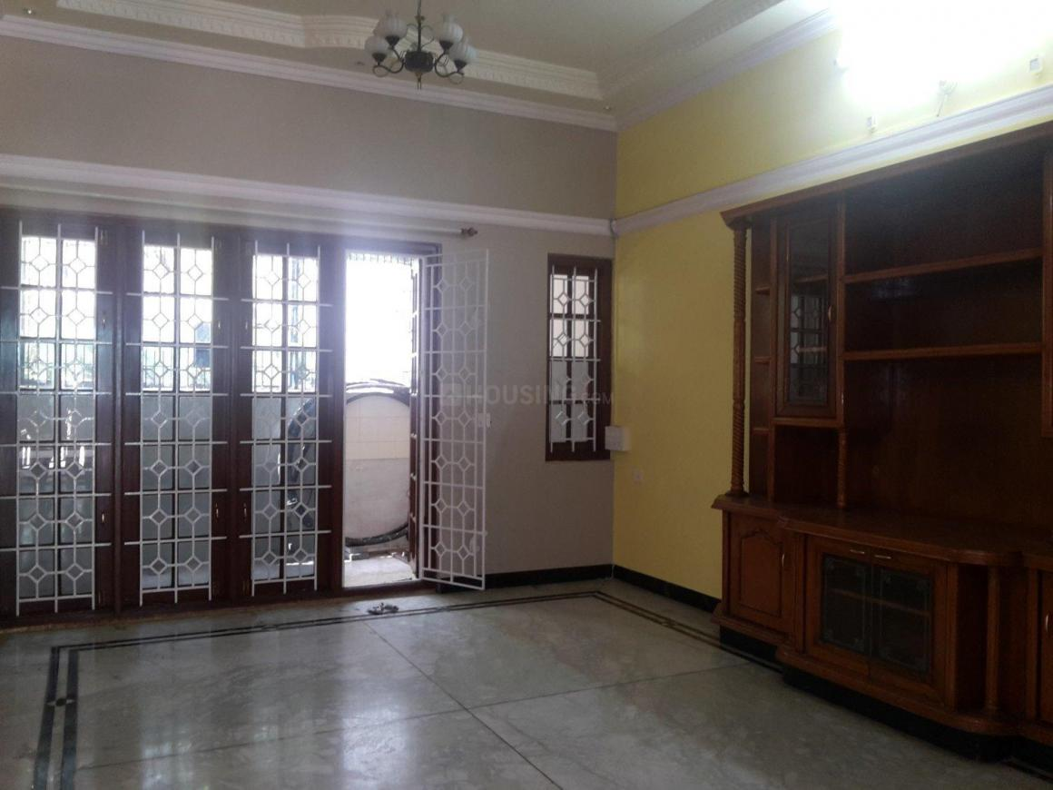 Living Room Image of 1200 Sq.ft 2 BHK Apartment for rent in Bendre Nagar for 19000