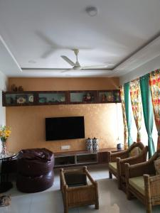 Gallery Cover Image of 1196 Sq.ft 2 BHK Apartment for rent in Ghorpadi for 39000