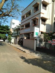 Gallery Cover Image of 4000 Sq.ft 10 BHK Independent House for buy in Gopalapuram for 80000000