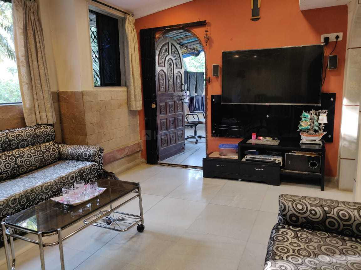 Living Room Image of 899 Sq.ft 2 BHK Apartment for rent in Juhu for 62000