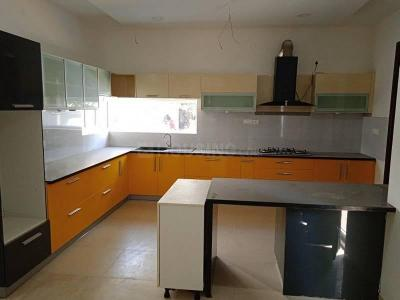 Gallery Cover Image of 4000 Sq.ft 4 BHK Villa for rent in Kokapet for 80000