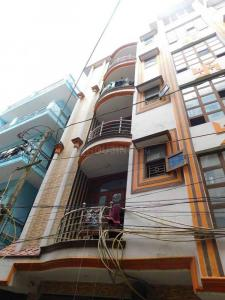 Gallery Cover Image of 500 Sq.ft 2 BHK Apartment for rent in RWA C Block Mohan Garden, Dwarka Mor for 9000