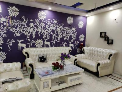 Gallery Cover Image of 1500 Sq.ft 3 BHK Apartment for rent in Paschim Vihar for 25000