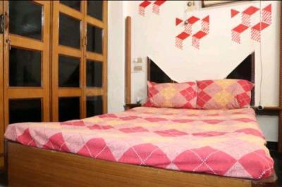 बोरीवली ईस्ट में हितनशी पीजी में बेडरूम की तस्वीर