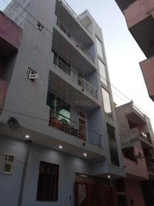 Gallery Cover Image of 350 Sq.ft 1 RK Apartment for rent in Sector 37 for 5500