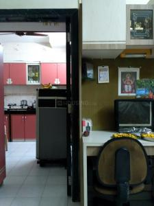 Gallery Cover Image of 330 Sq.ft 1 RK Apartment for rent in Thane West for 12000
