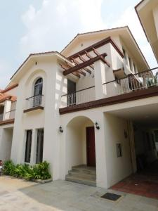 Gallery Cover Image of 2986 Sq.ft 4 BHK Villa for rent in Hennur Residency, Kacharakanahalli for 65000