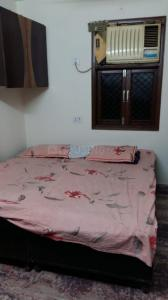 Bedroom Image of Narayani Boys PG in Laxmi Nagar